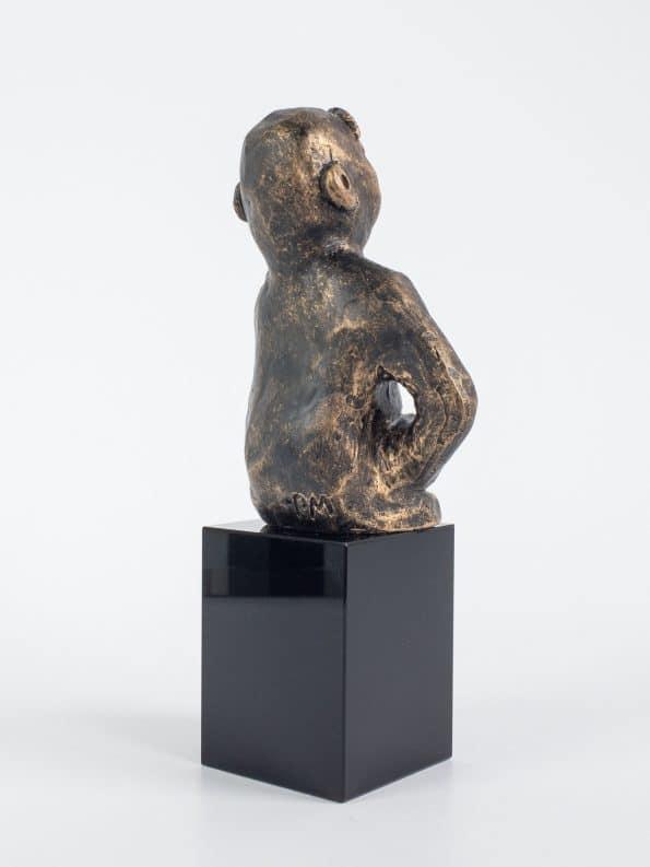 DEN MÅLINRIKTA – brons patinerad