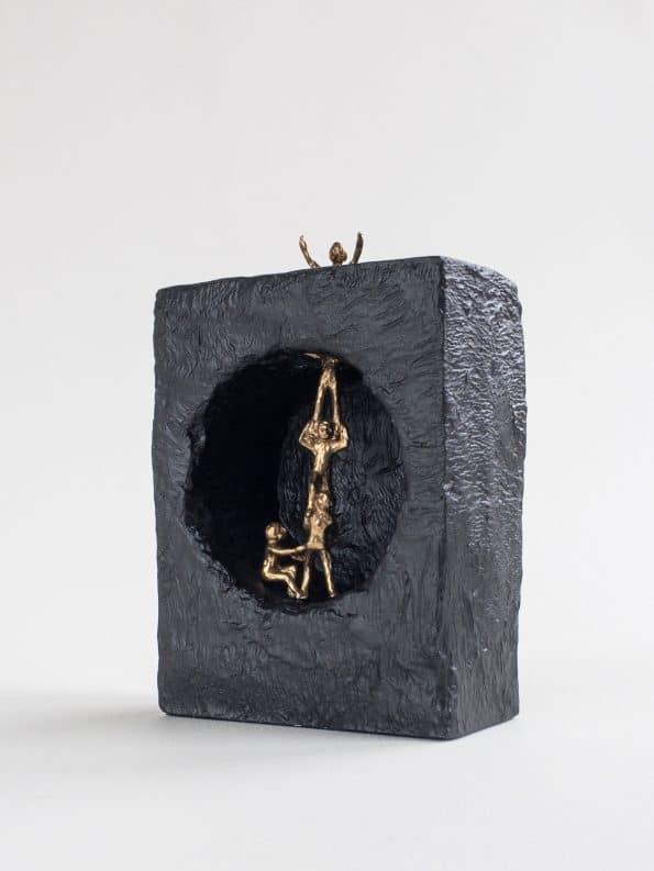 GEMENSAM  HJÄLP – äkta brons