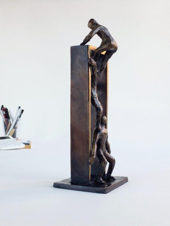 TILLSAMMANS KOMMER VI LÄNGST – äkta brons