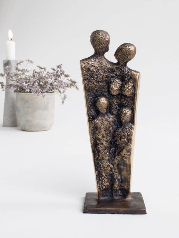 FAMILJ – äkta brons