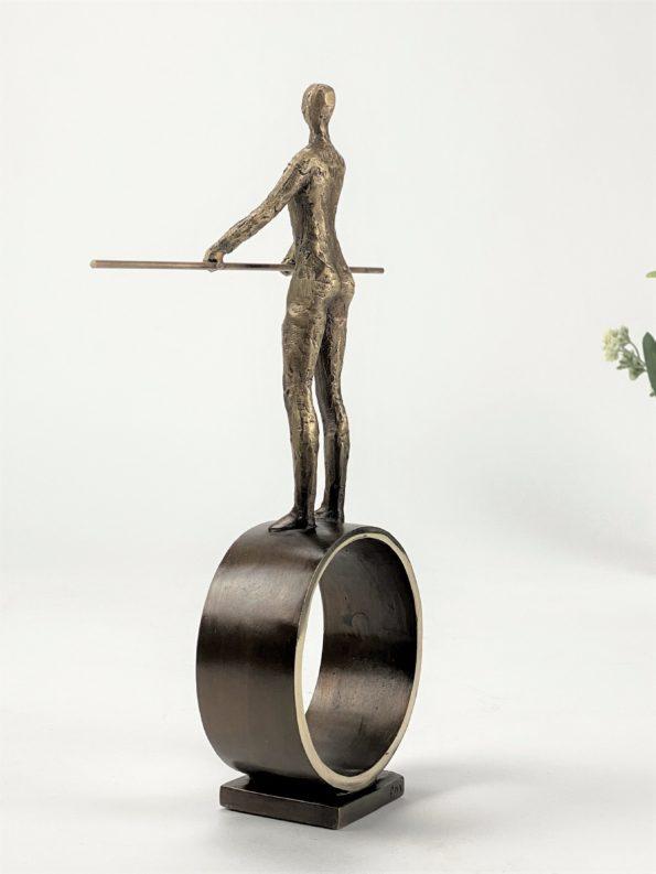 Mittpunkt - äkte brons
