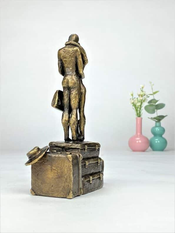 Gemensam framtid - äkte brons